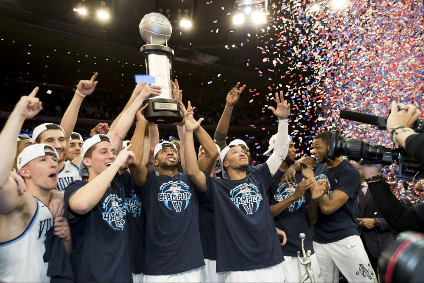 Villanova spurts late in overtime, wins Big East title, 76-66, over Providence