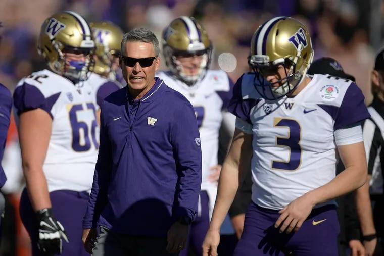 Washington head coach Chris Petersen, citing burnout, is stepping down after Saturday's Las Vegas Bowl against Boise State.