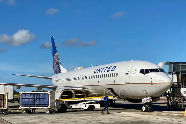 United Airlines is the first major U.S. air carrier to take a step toward trying to remove some of the greenhouse gases spewed by it and every other airline .