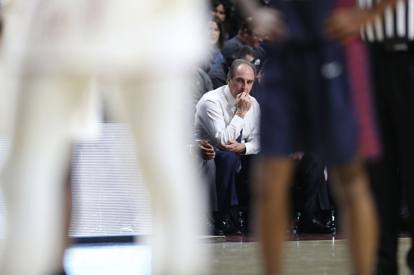 As Fran Dunphy's time at Temple runs short, former Owls and Penn players reminisce about their 'complicated' coach