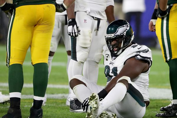 Eagles saw a bleak future when Fletcher Cox limped off | Marcus Hayes