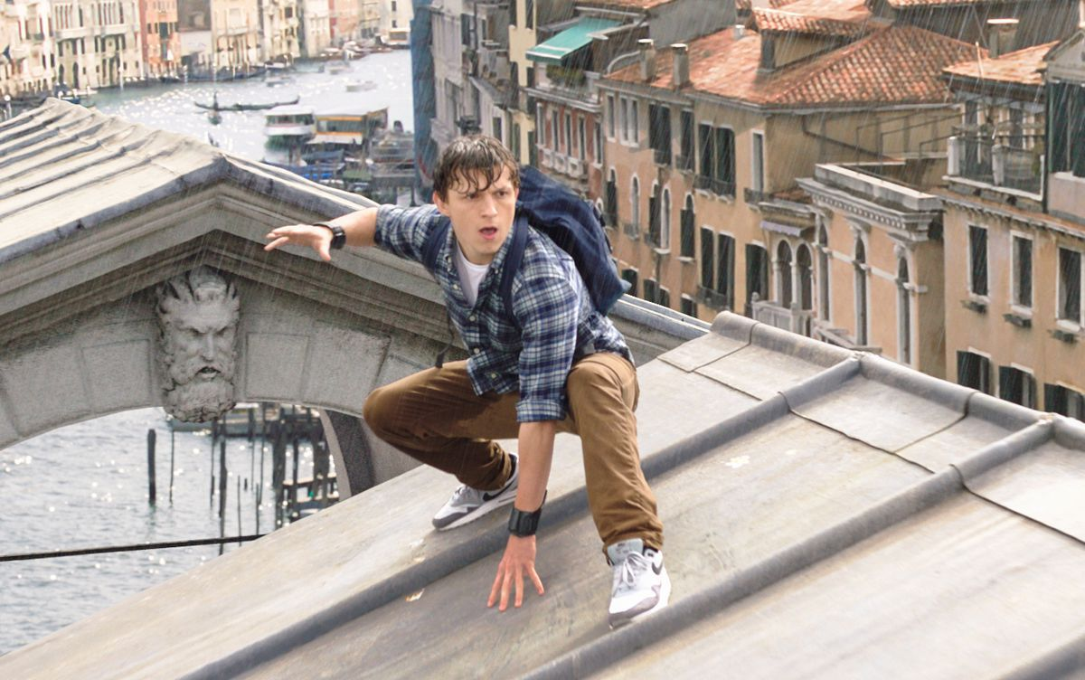 Spider Man Far From Home Peter Parker S European Vacation Is Kind Of Fun
