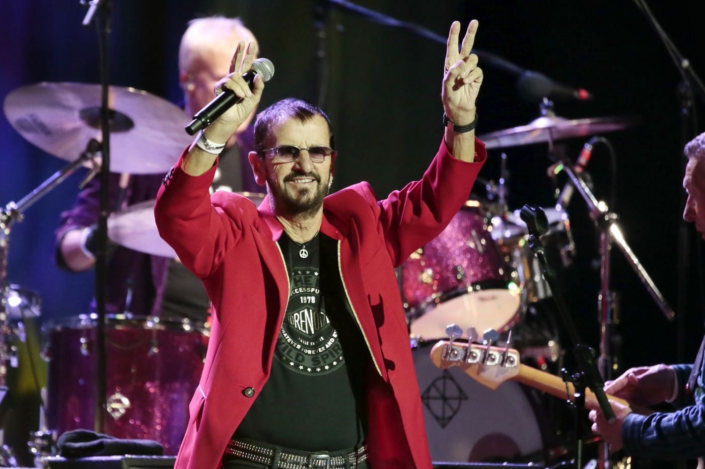 Ringo Starr, acting naturally and spreading peace and love at the Met | Concert review