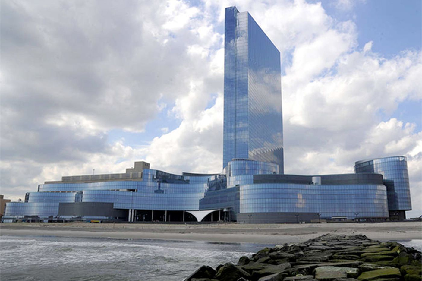 Revel reported to have no bidders; 3 could be under review