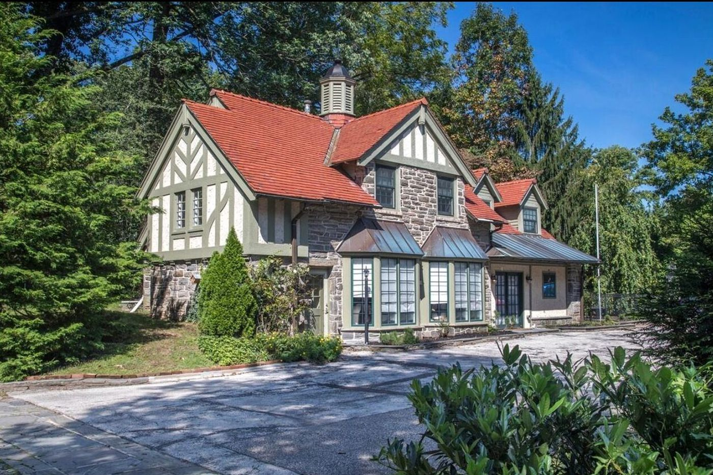When one house isn't enough: Three Philadelphia suburban properties with carriage houses