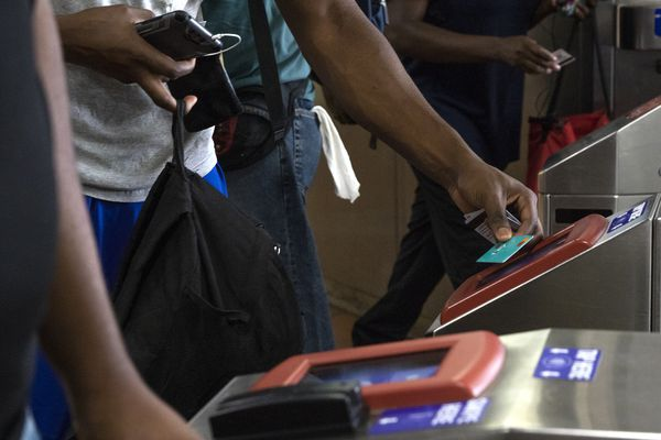 SEPTA's digital fare card hurts the city's poor, advocate says