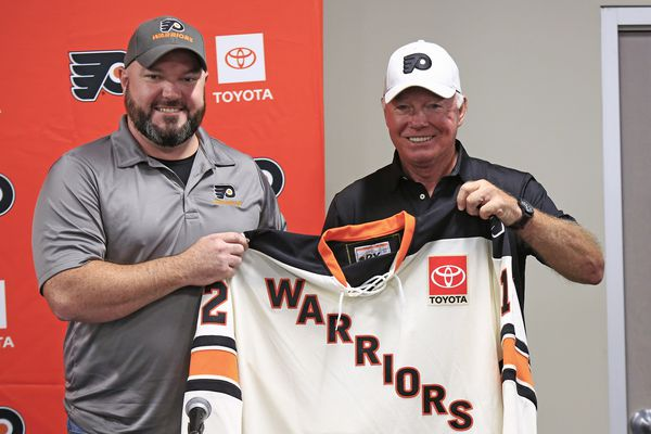 Flyers-sponsored Warriors overcome military disabilities to show their stuff on the ice