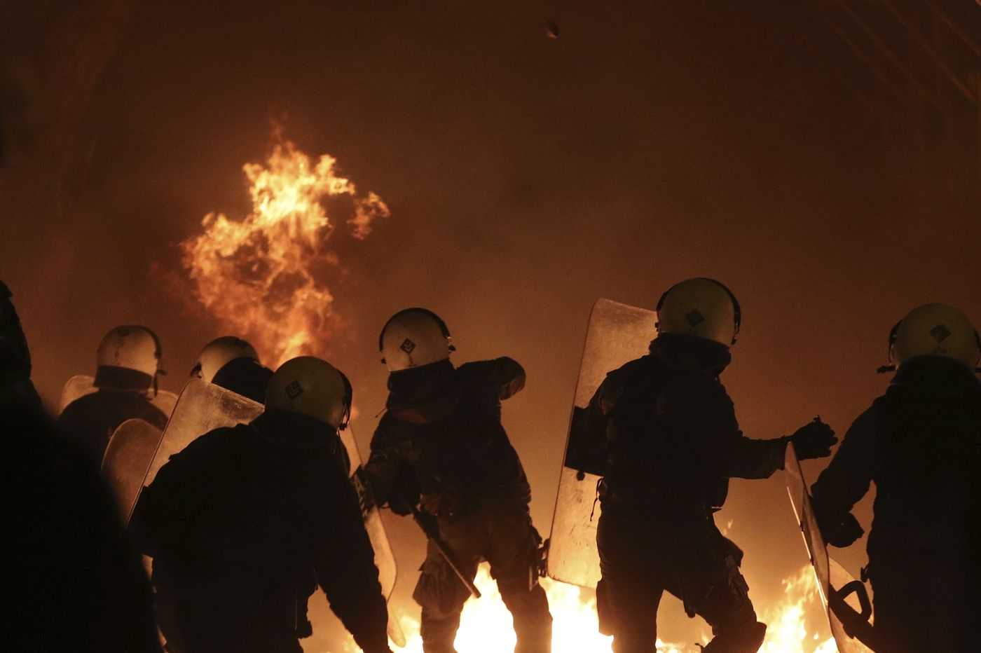 Riots sweep Athens on anniversary of teen's shooting death
