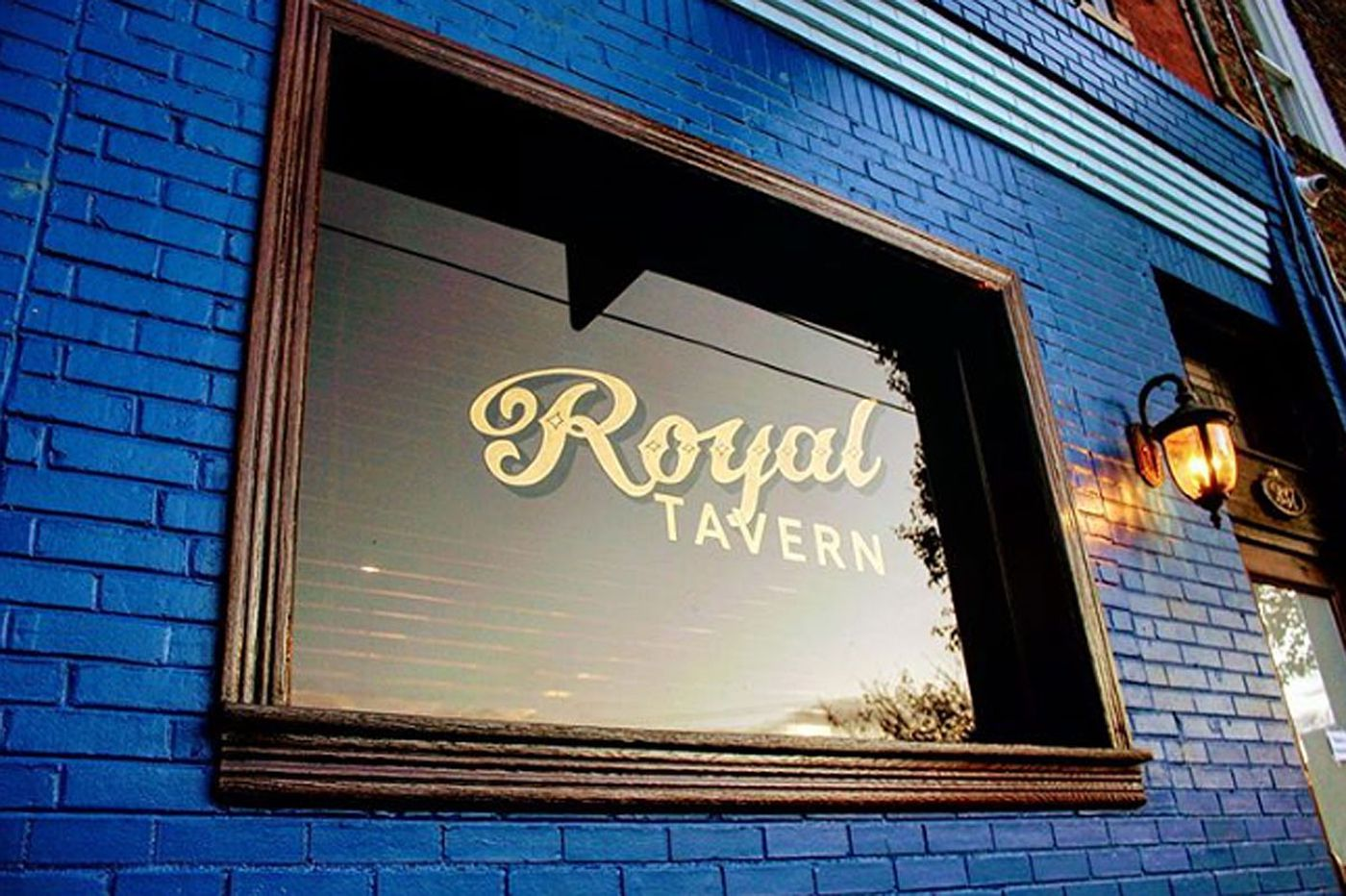 Royal Tavern comes back — hot   Let's Eat