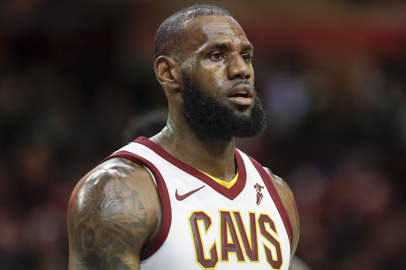 Sports headlines: Cavs continue talks with LeBron James, World Cup results, Clayton Kershaw shaky in surprise return