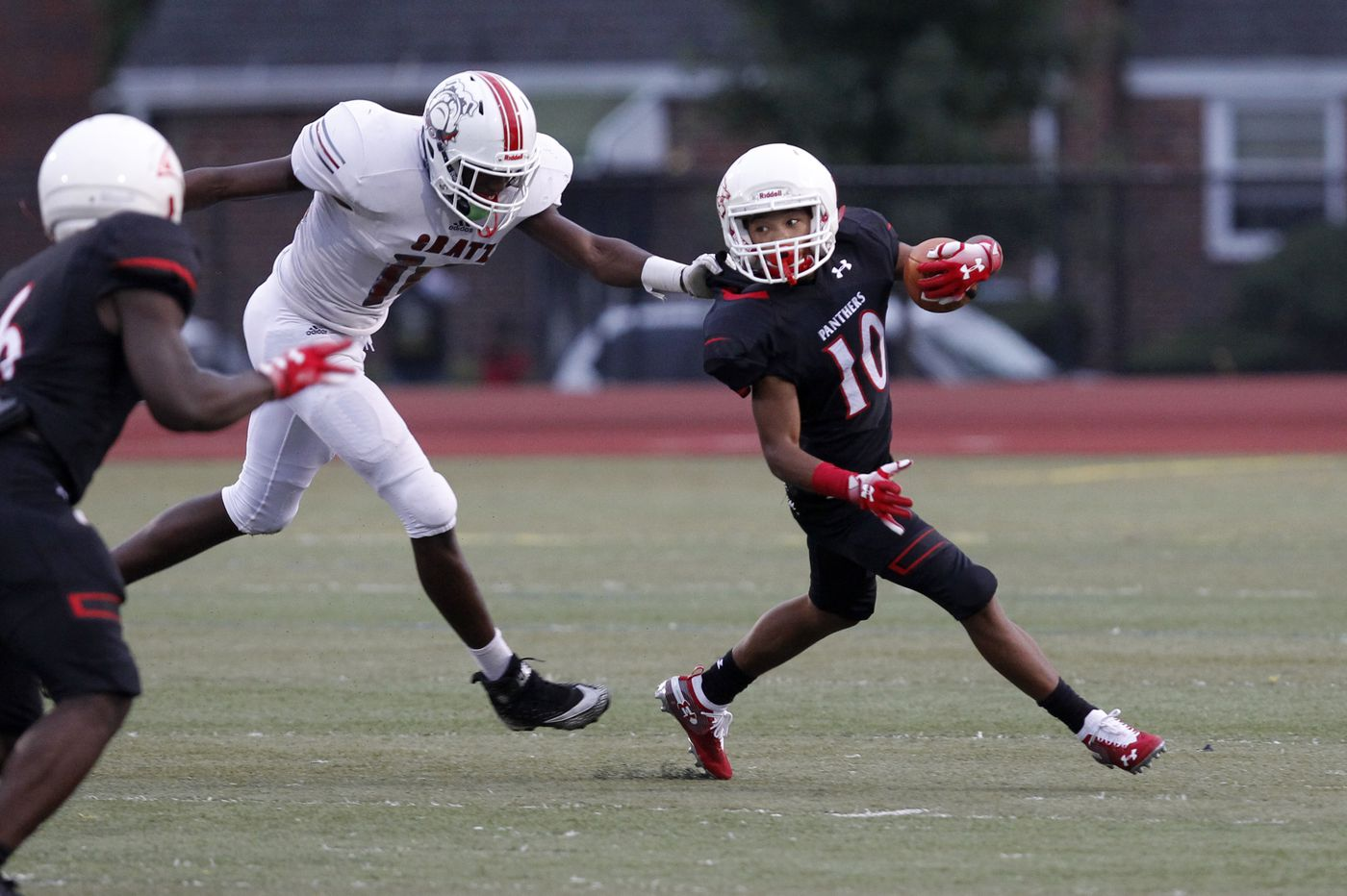 Zymir Cobbs and the Imhotep defense stifles Simon Gratz