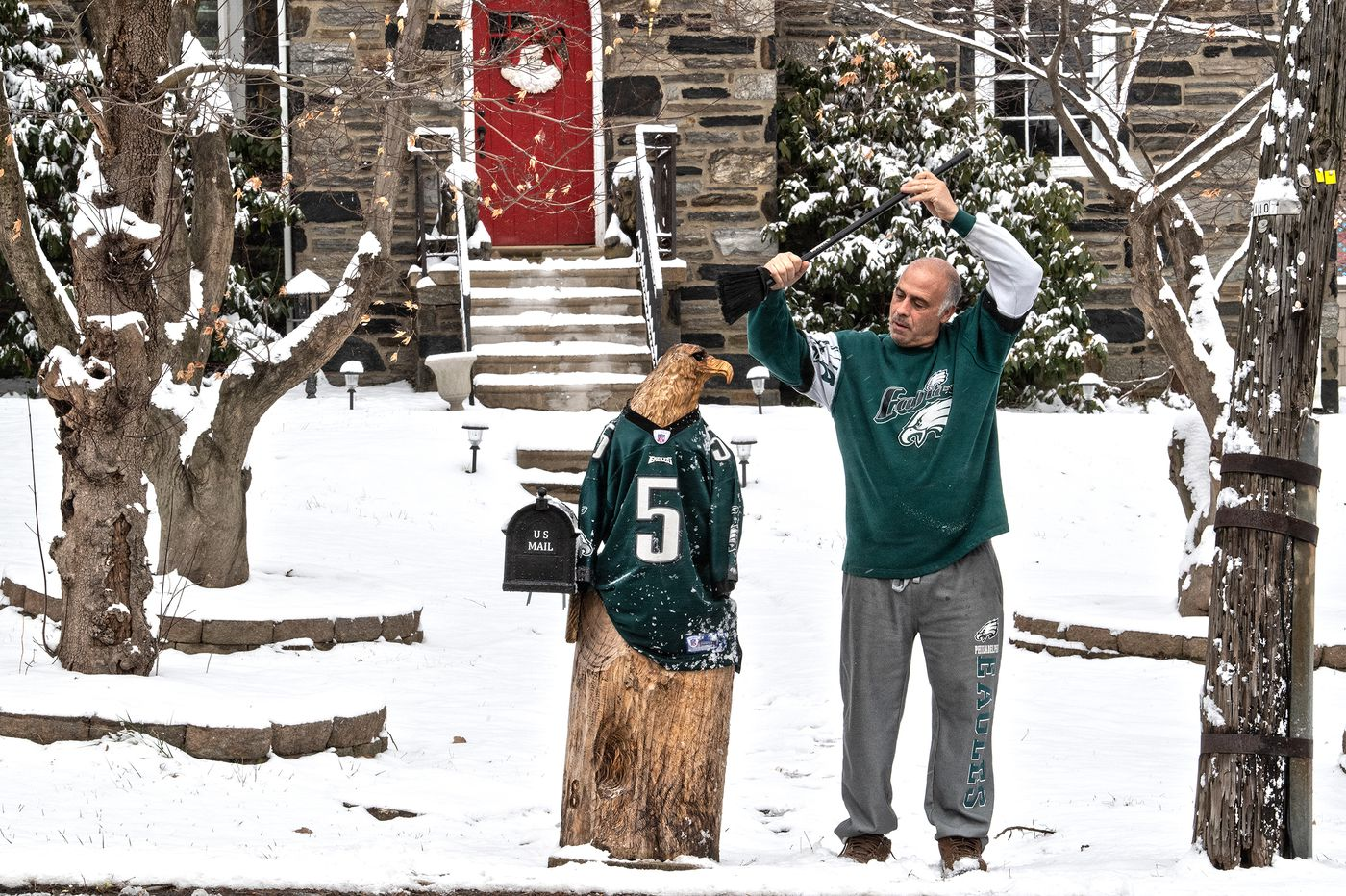The Eagles fan's guide to dealing with this snow that just won't quit