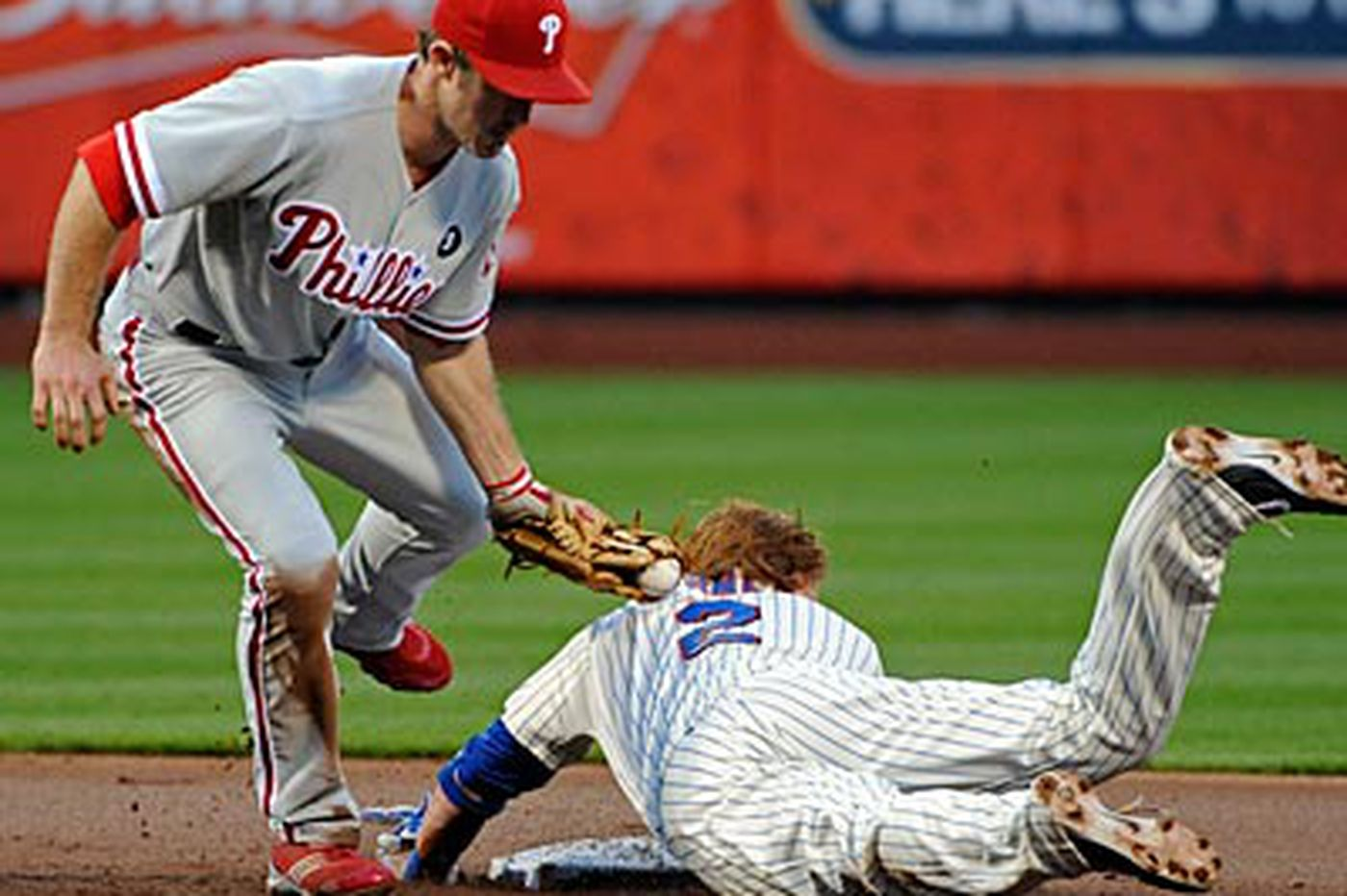 Phillies rally again to beat Mets
