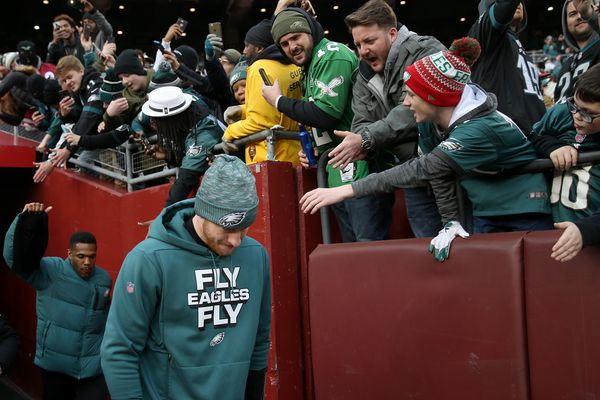 Eagles' Carson Wentz unlikely to play in the postseason, so why isn't he on IR?
