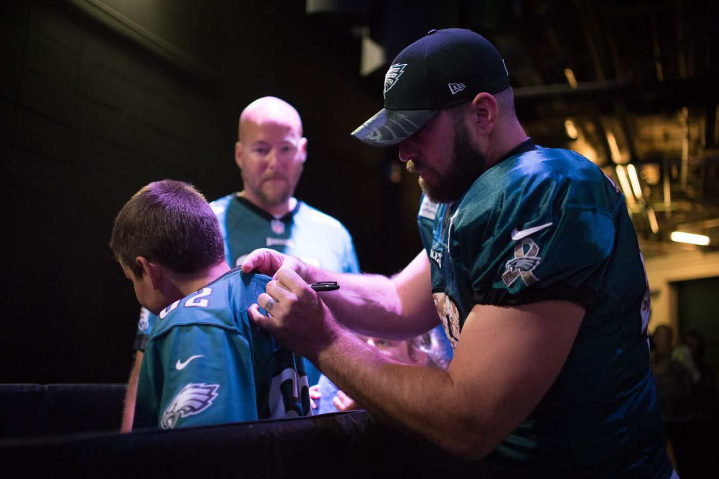 Eagles trade popular long snapper Jon Dorenbos to Saints for draft pick