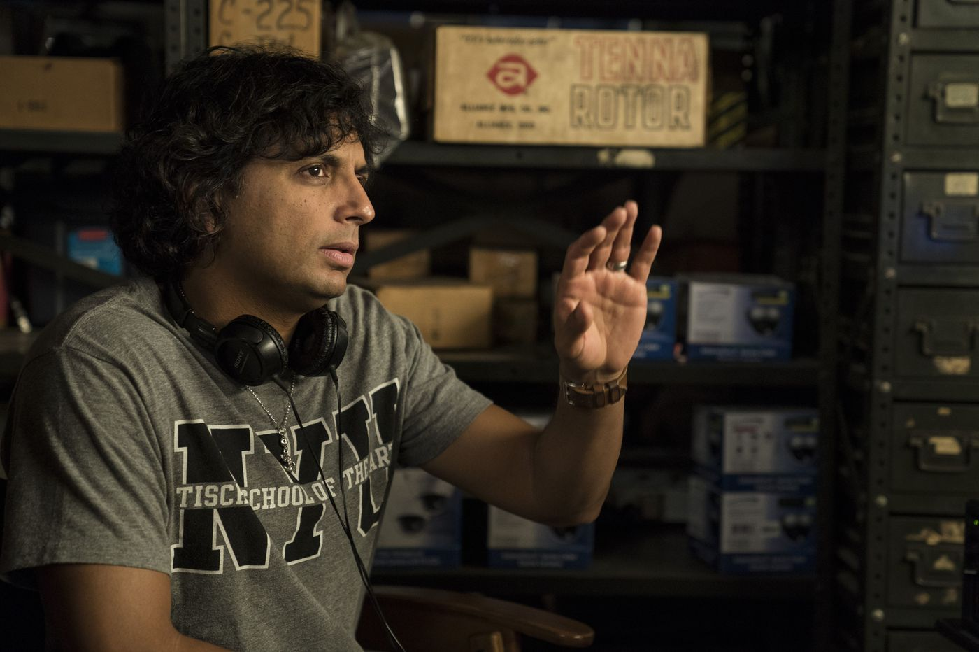 打造《驚心動魄》《分裂》《異裂》等驚悚傑作的導演奈沙馬蘭,所參與的驚悚影集《Servant》將在 AppleTV+ 推出。