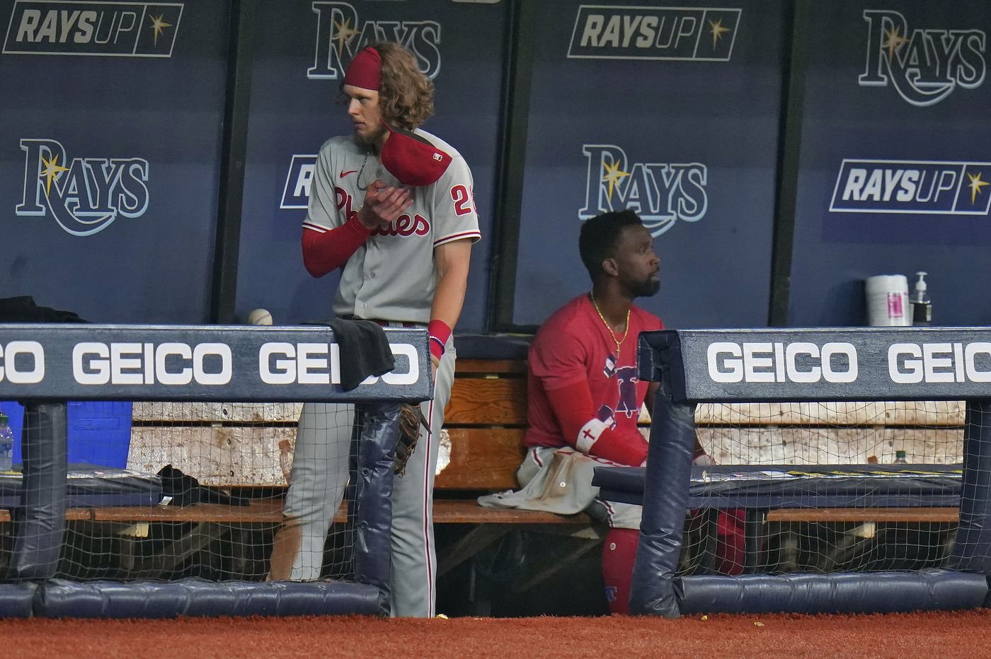 Phillies' playoff hopes pushed to brink after 4-3 loss to Rays
