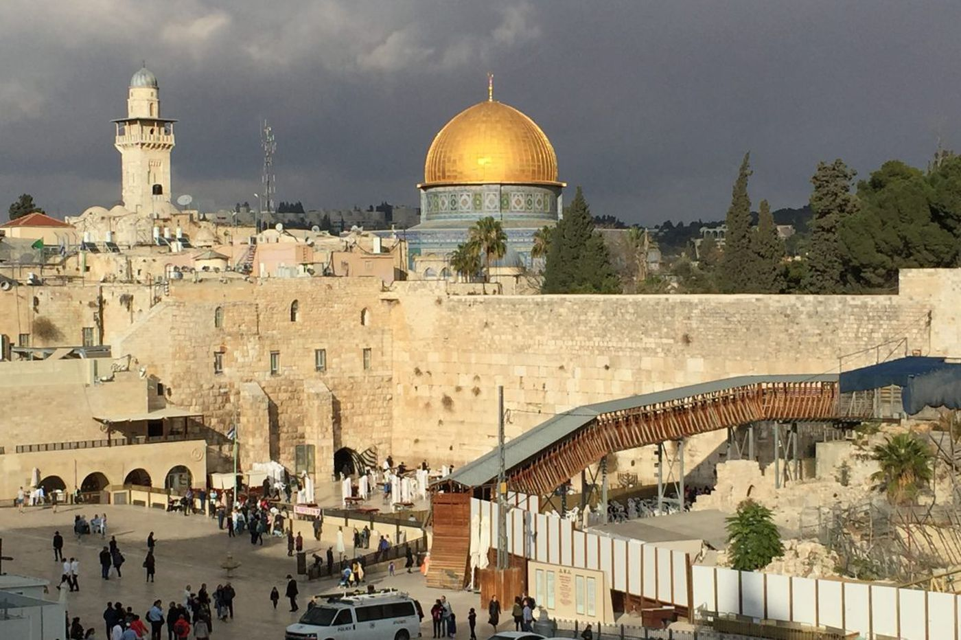 Pence visits Jerusalem at Christmas but brings no peace