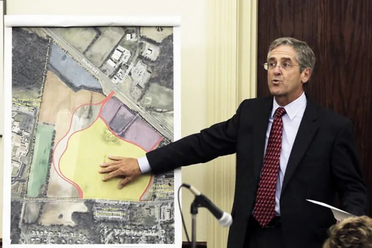Virtua's Bob Stoeckle talks up the 20-year plan, which would put a new hospital, rehab center, hospice, and other medical buildings on a former farm. (ELIZABETH ROBERTSON/Staff Photographer)