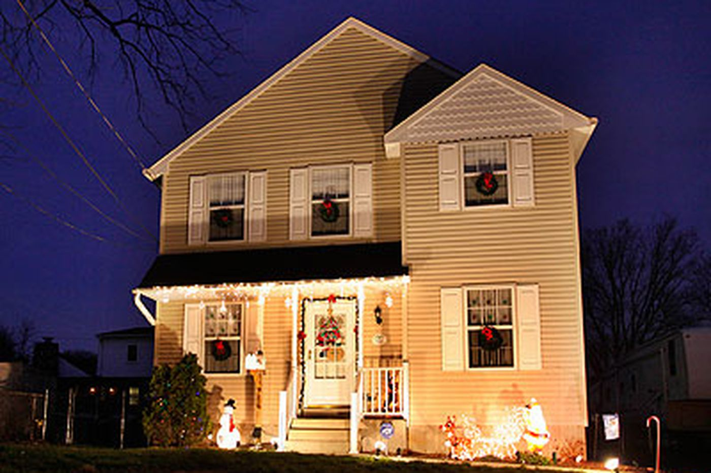 Home Economics: Holidays can be a merry time to sell a house after all