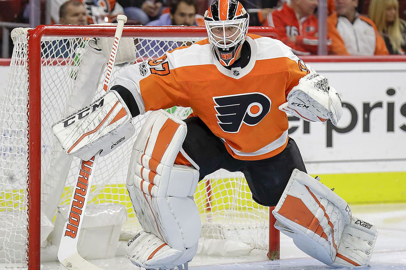 Brian Elliott, Flyers' main goalie these days, will face Blackhawks