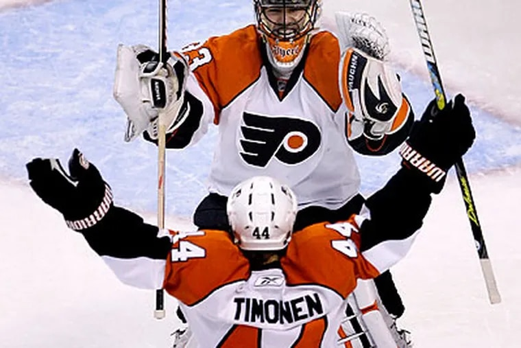 Kimmo Timonen scored two goals for the Flyers in their 3-1 win over the Bruins in Boston. (Charles Krupa/AP)