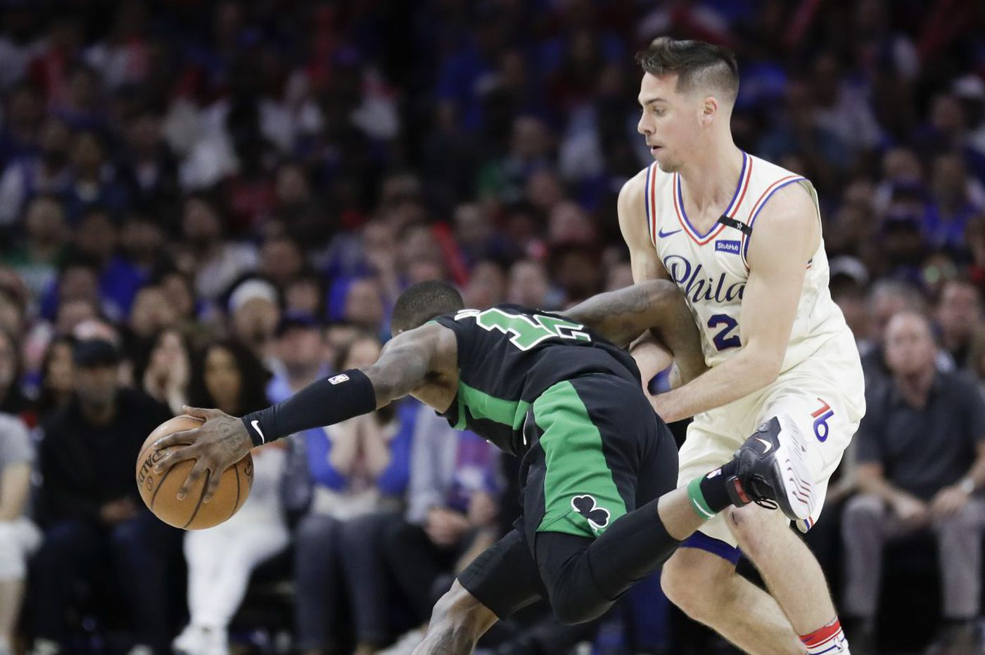 T.J. McConnell starts for Sixers in place of Robert Covington in Game 4