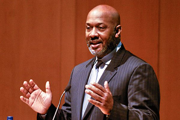 Ex-Chairman Archie and State Rep. Evans maneuvered over who would get MLK High contract, a report asserts