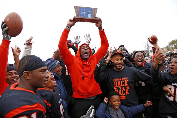 Woodrow Wilson rolls to South Jersey Group 3 football title