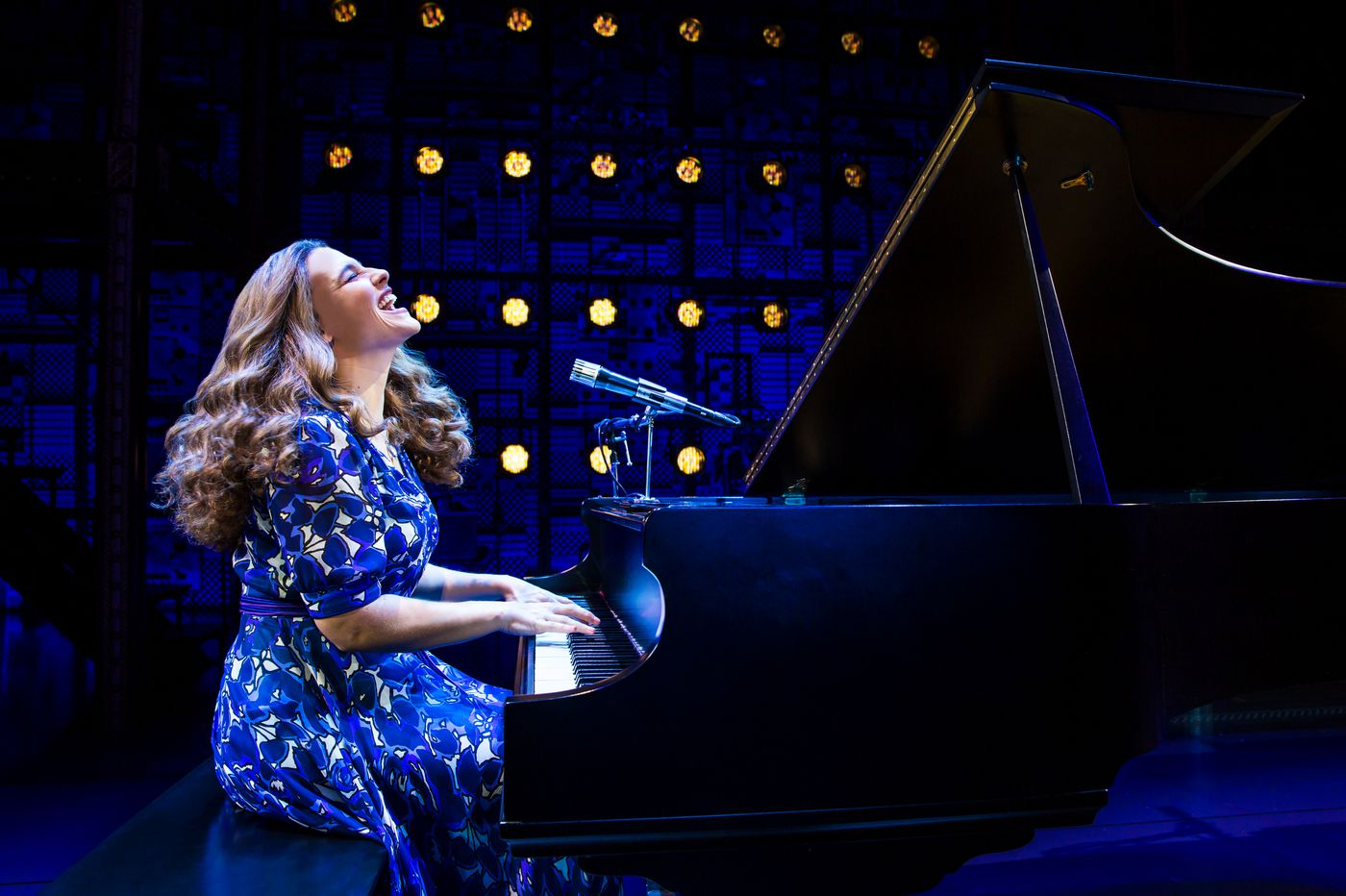 'Beautiful' at the Academy of Music: Irrepressible, smiling Carole King jukeboxer