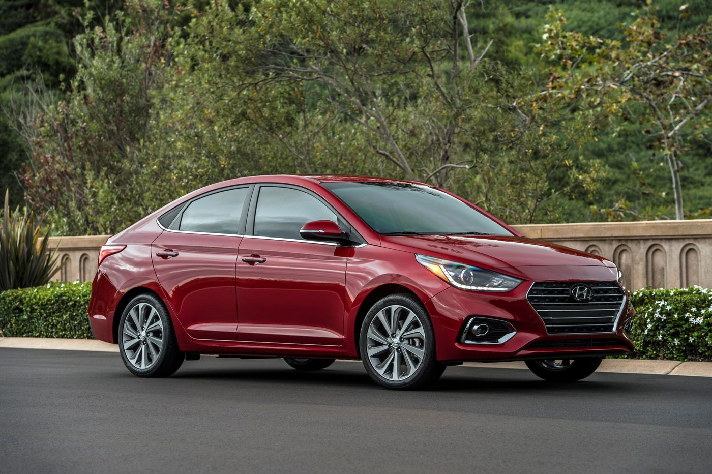 Battle of the econoboxes: 2019 Hyundai Accent deletes hatchback from the redesign | Scott Sturgis