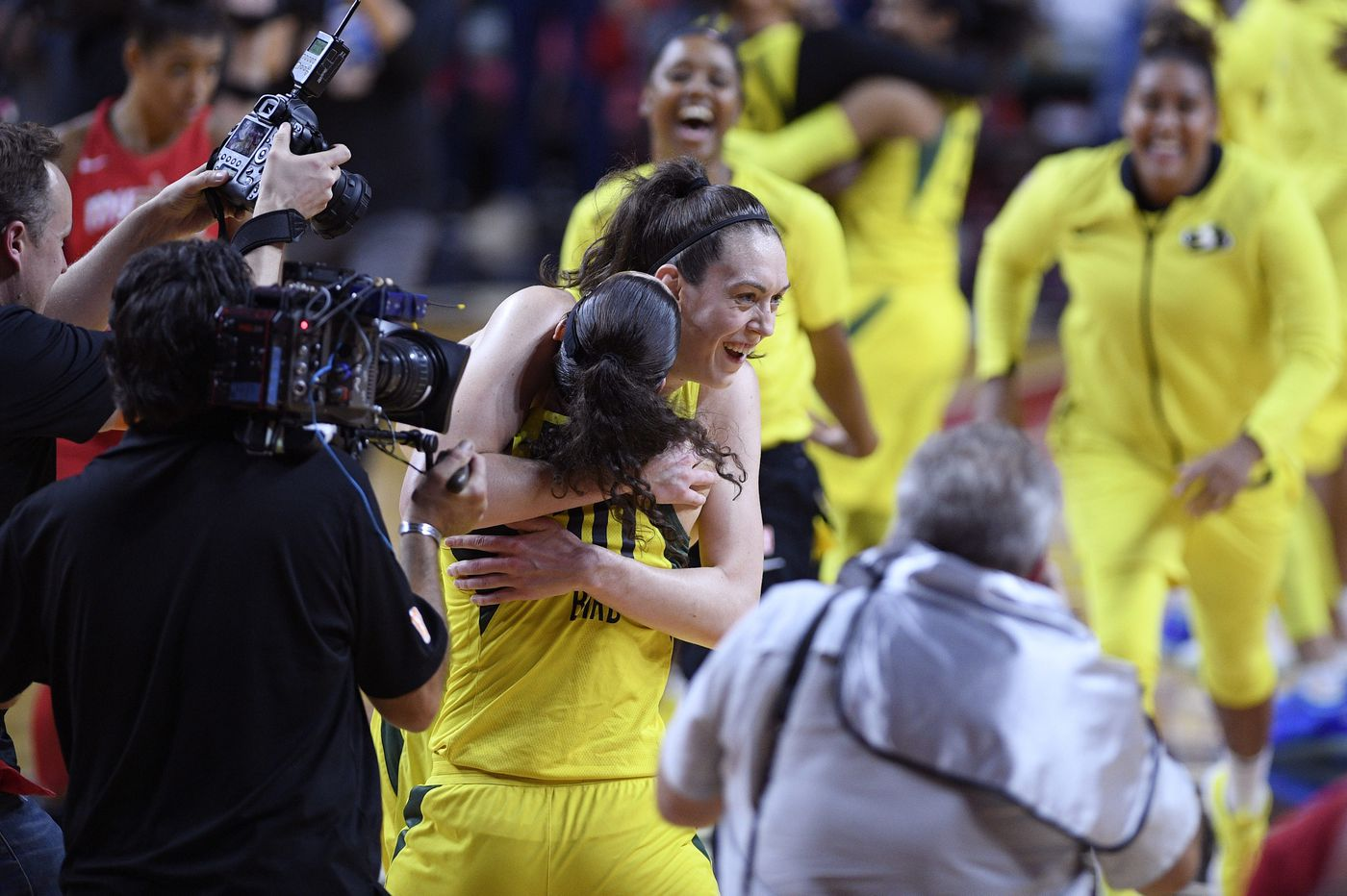 Breanna Stewart, Seattle Storm surge past Washington Mystics for WNBA title