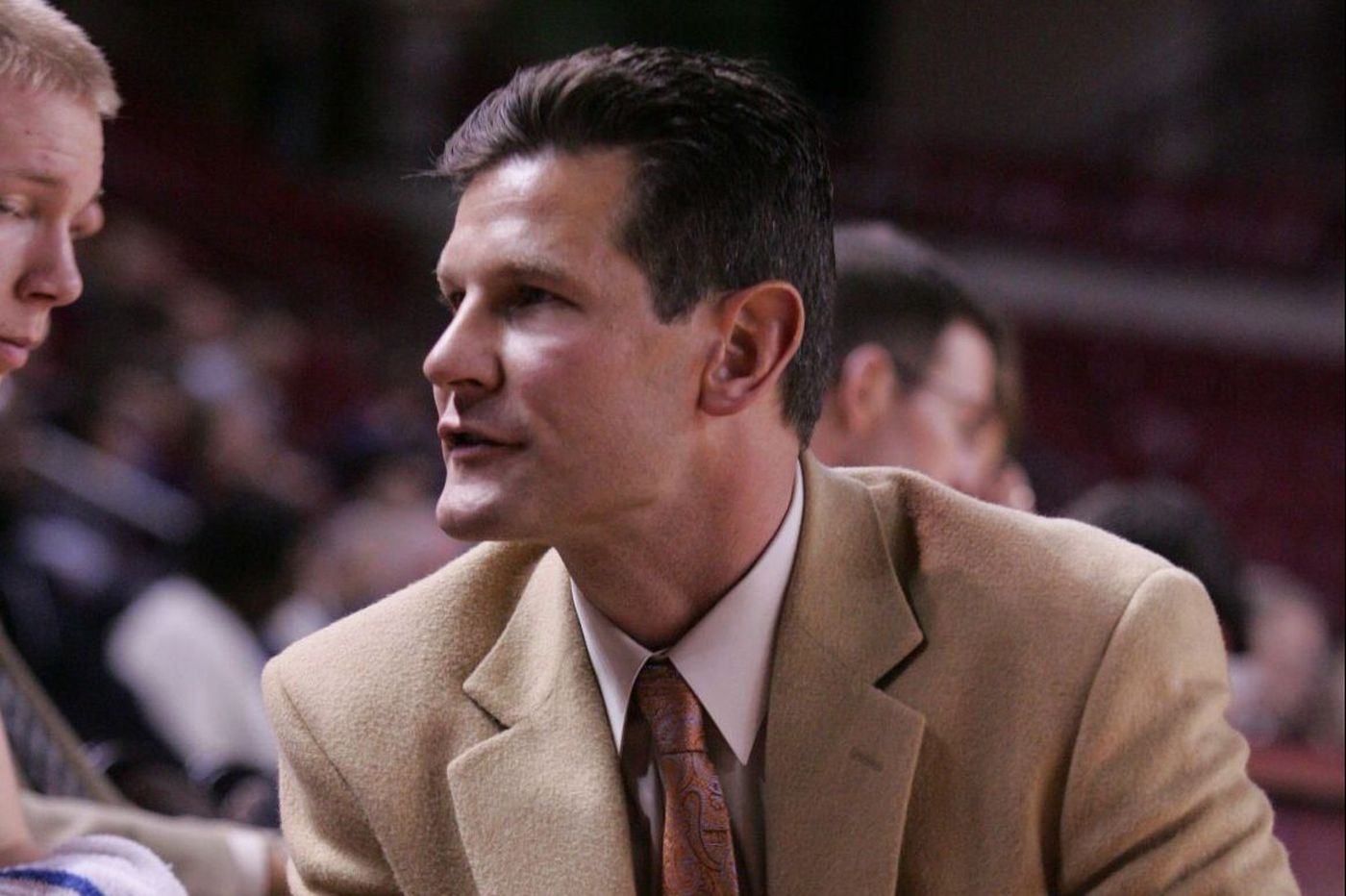 La Salle High hires Mike McKee as basketball coach