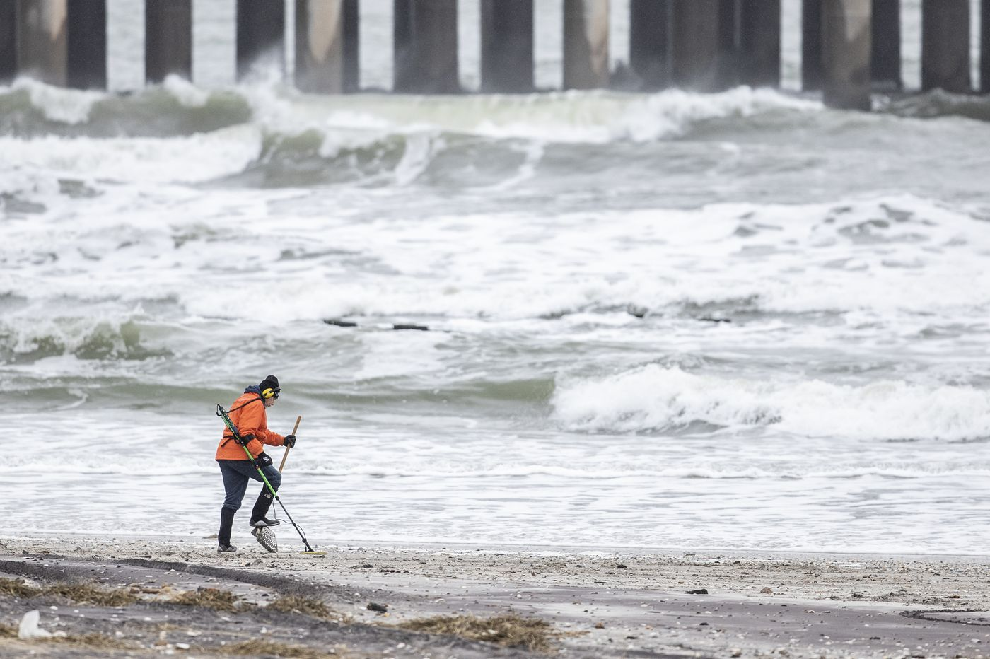 Do saltwater and sunshine at the Shore kill the coronavirus? Here's what science says.