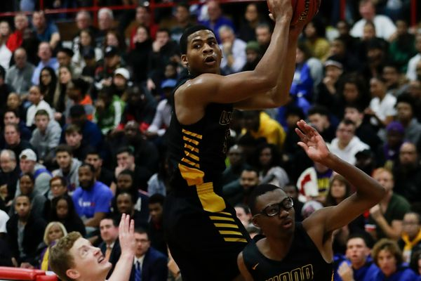 Daeshon Shepherd's block lifts Archbishop Wood past Wildwood Catholic