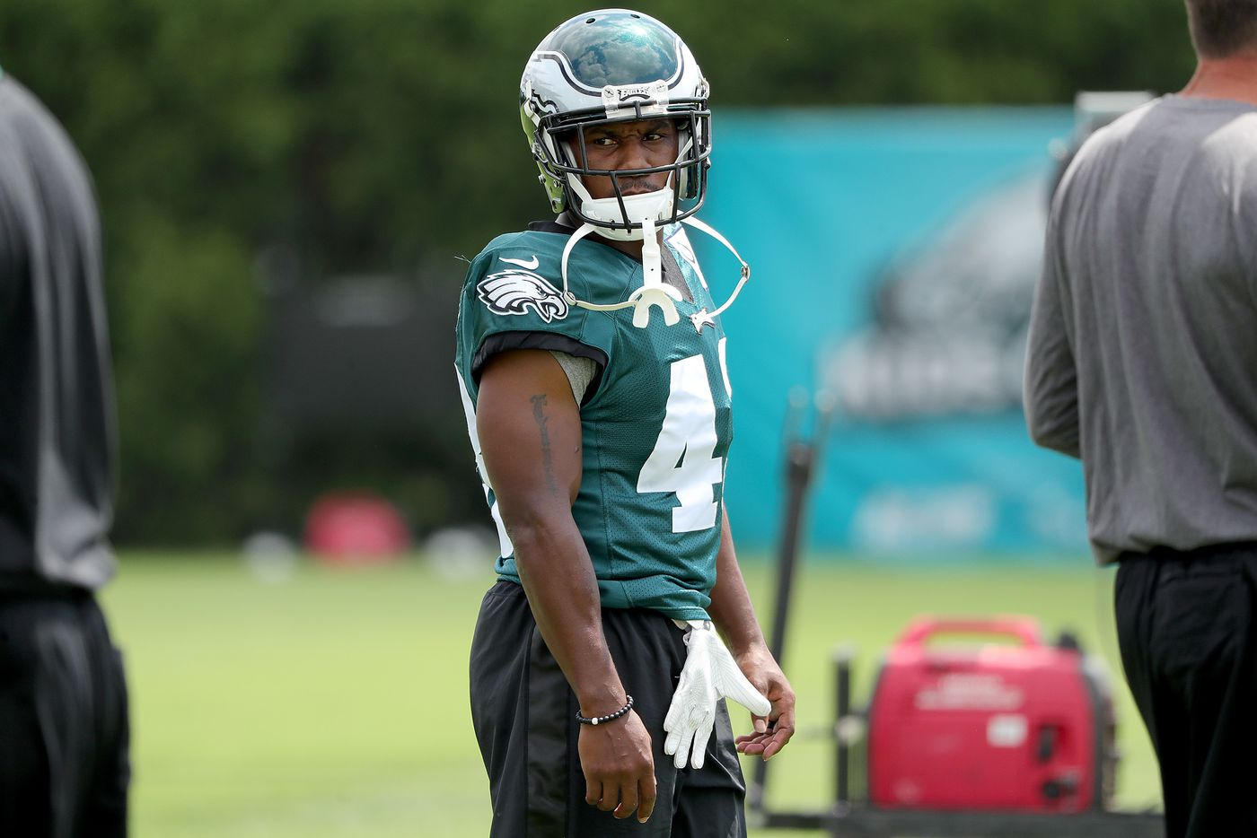 Darren Sproles returns to Eagles backfield, and Corey Clement is happy to study at his side | Mike Sielski