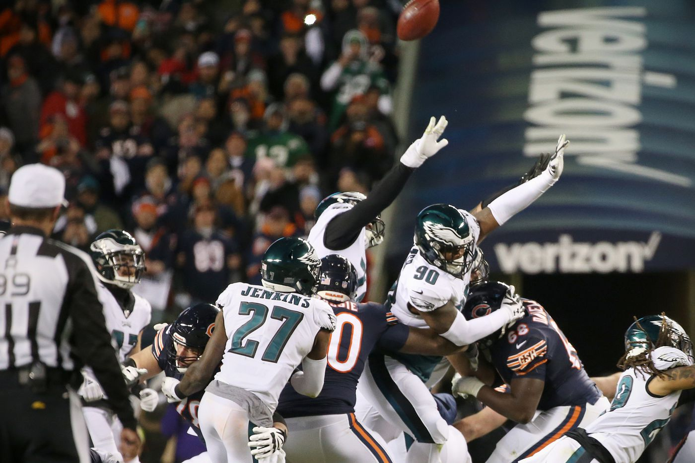 The story of Eagles defensive tackle Treyvon Hester and the fingertips heard 'round the world | Mike Sielski