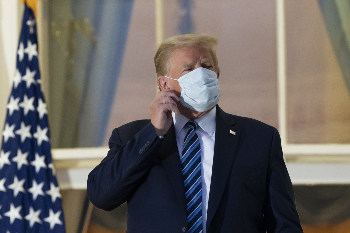 'Epidemiologists just wanna vomit': Doctors disturbed after Trump removes his mask at the White House