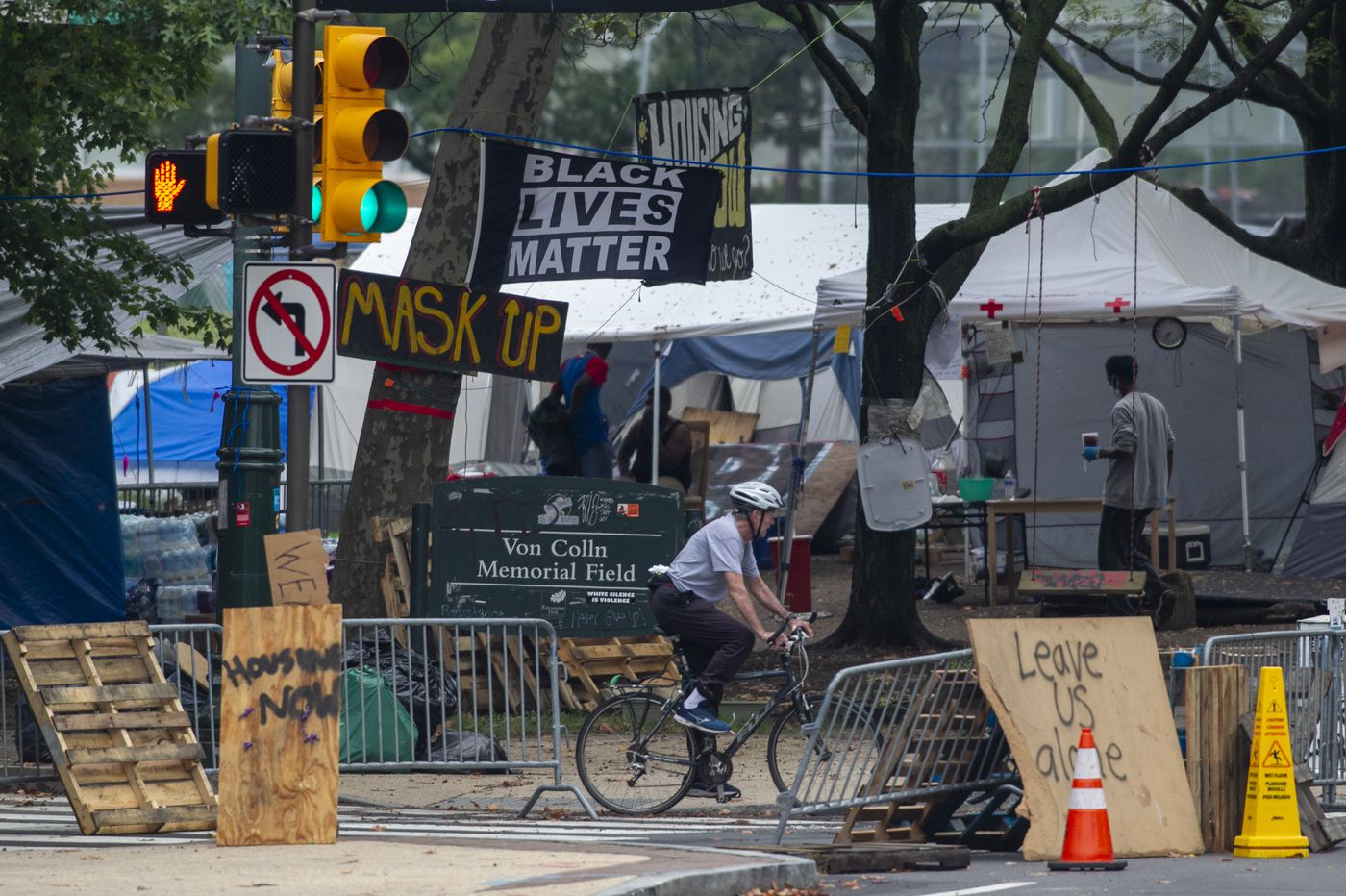 Benjamin Franklin Parkway homeless encampment to be closed 'amicably' by the end of the week