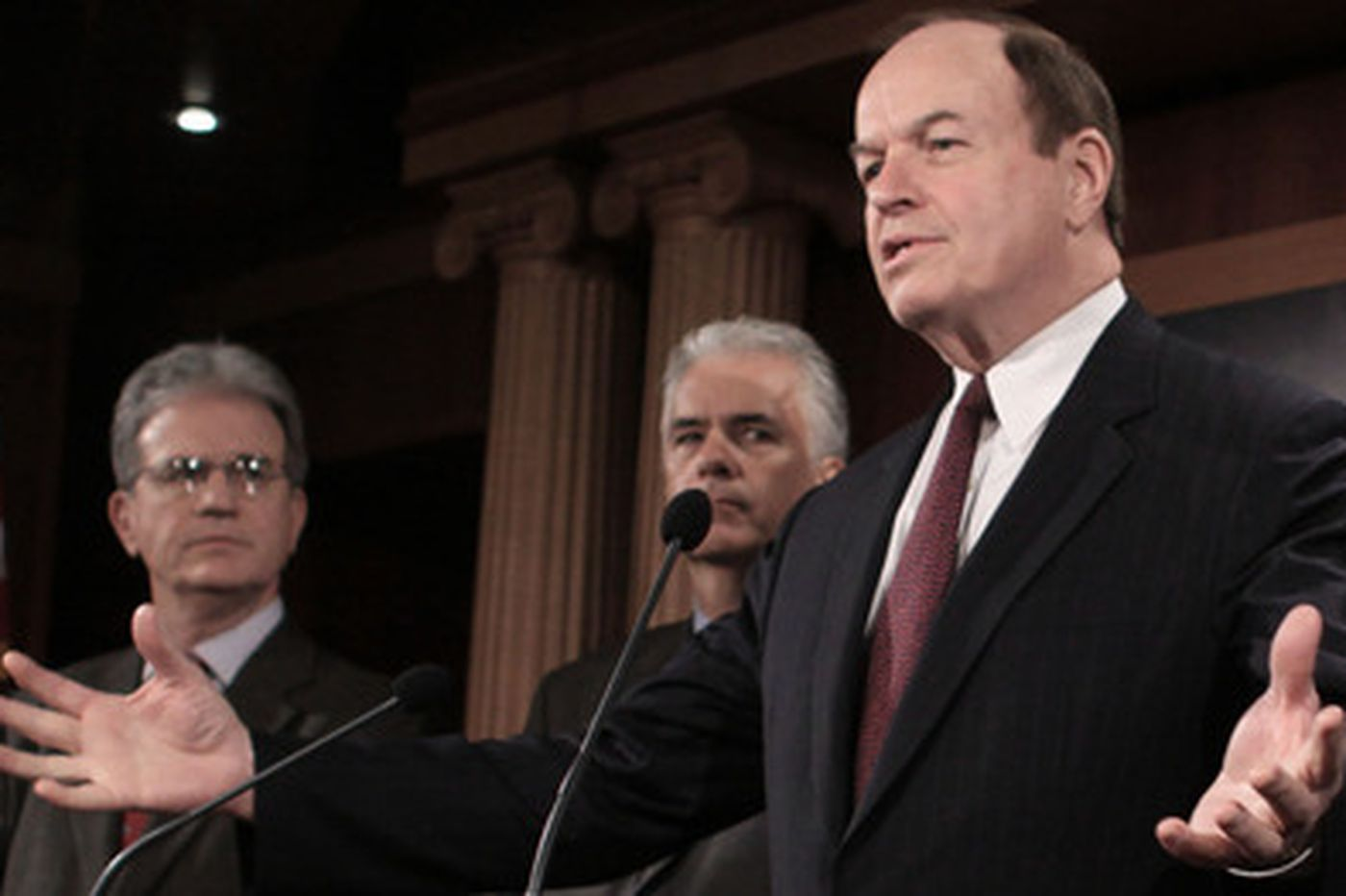 Bailout clears House; hurdles high in Senate