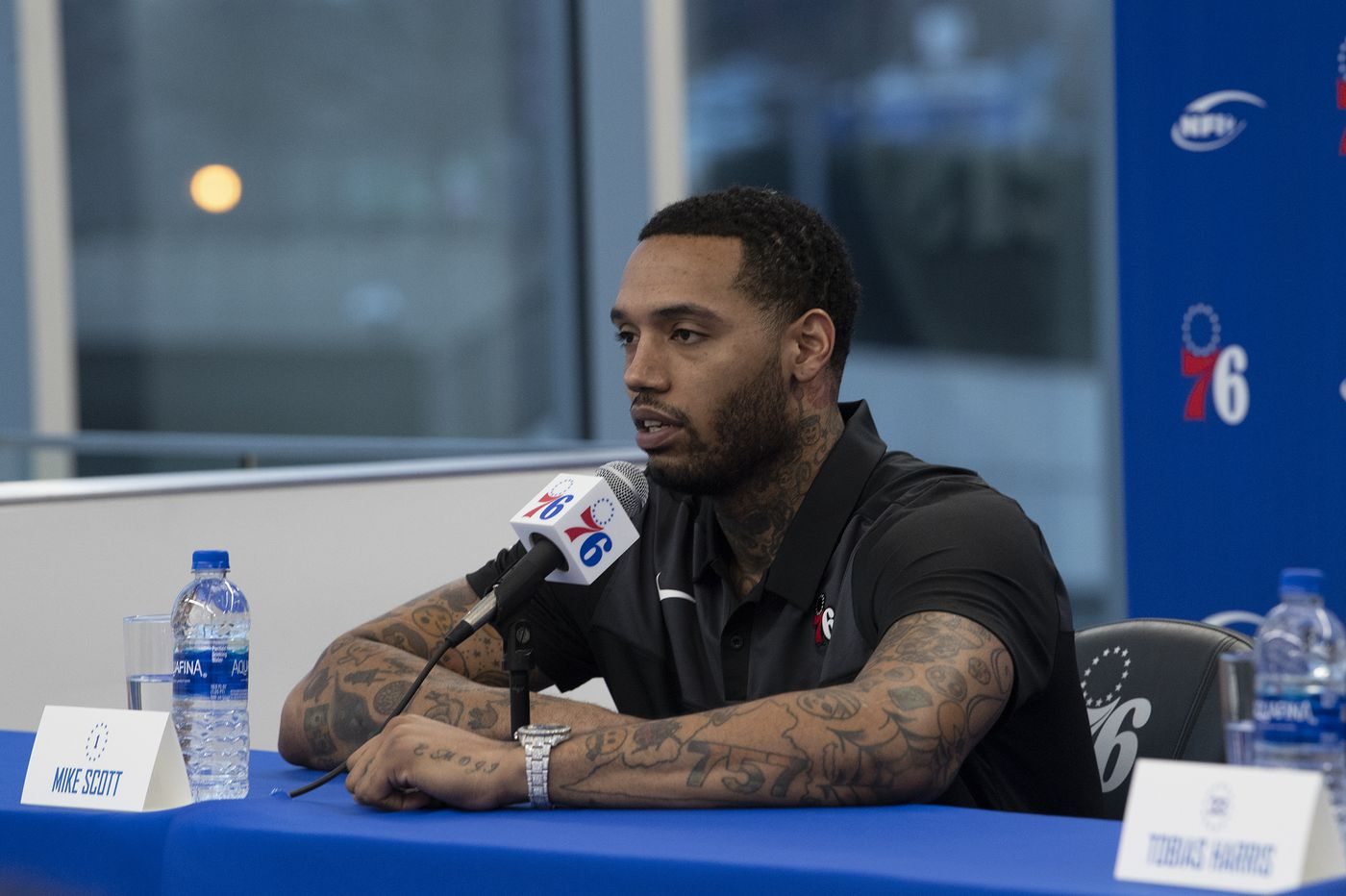 New Sixers backup power forward Mike Scott: 'I was a big fan of AI'