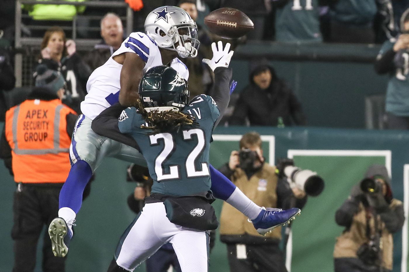 Sidney Jones rides to the rescue once again in Eagles' big win over Cowboys