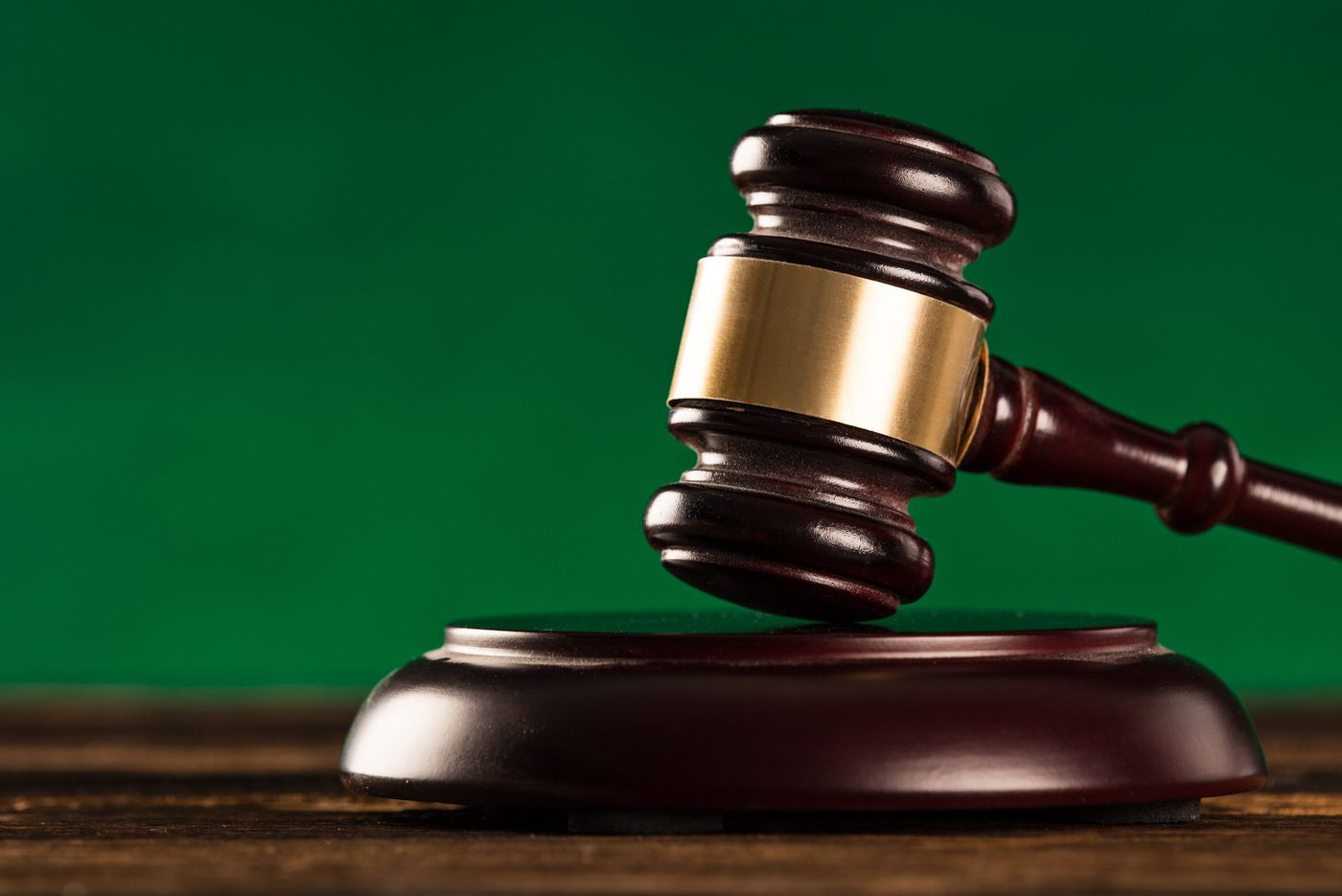 Delco 'habitual fraudster' admits to new stock fraud