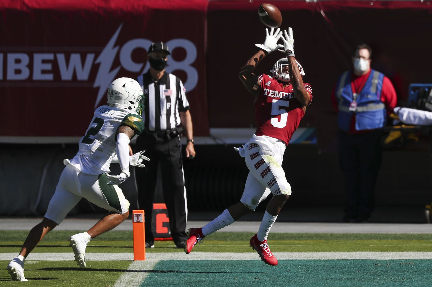 Temple beats South Florida, 39-37, on a late two-point conversion stop