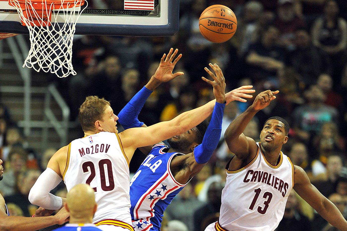 Sixers lose 10th straight as Cavs romp