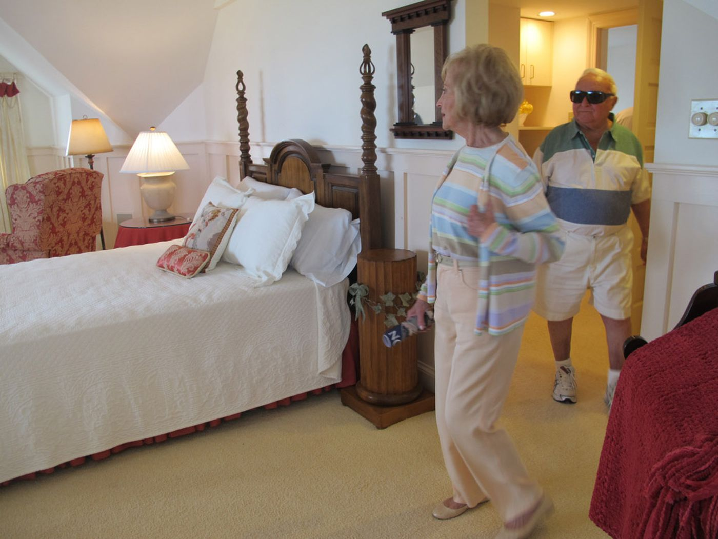 Archdiocese villa: 19 rooms with ocean view