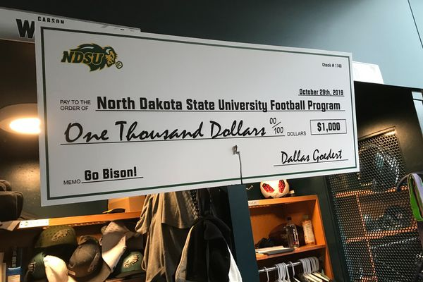 Eagles' Carson Wentz wins bet with Dallas Goedert, and big check for North Dakota State football