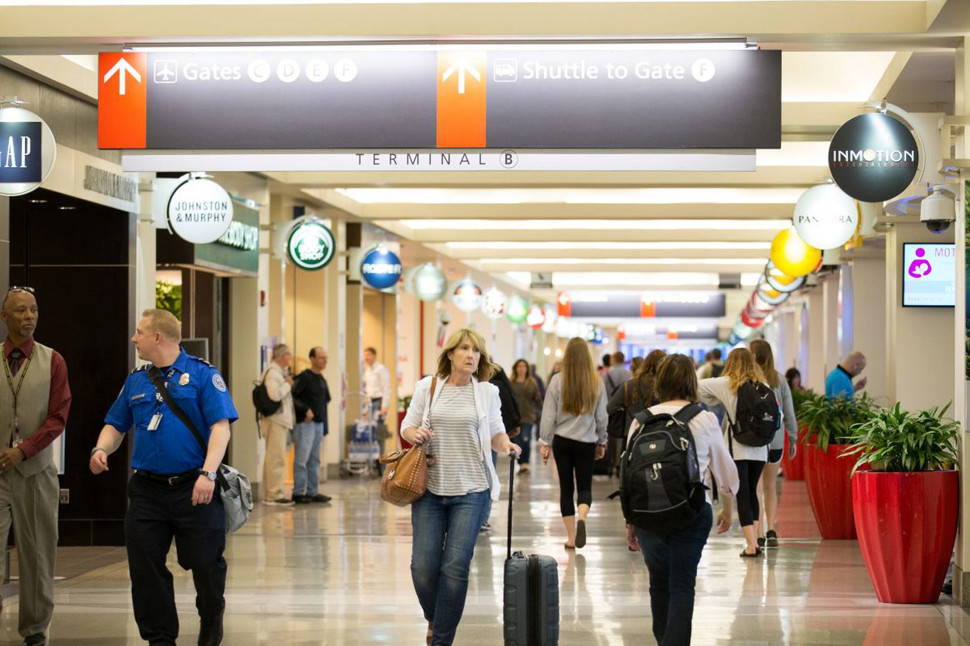 Philly airport improves slightly in passenger satisfaction