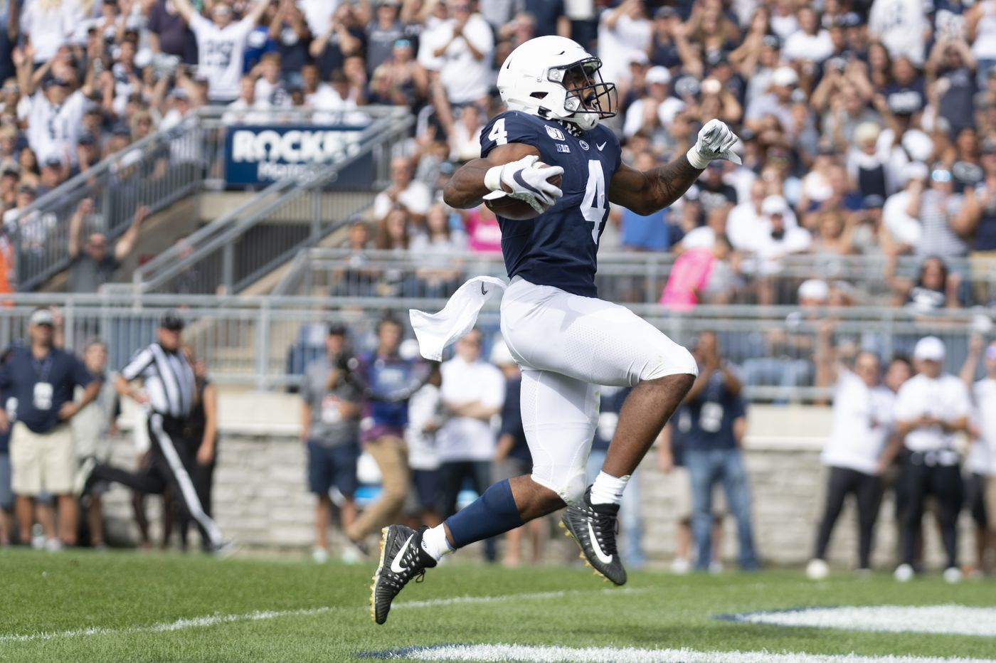 Penn State stays put at No. 15 in first Associated Press regular-season top 25 poll