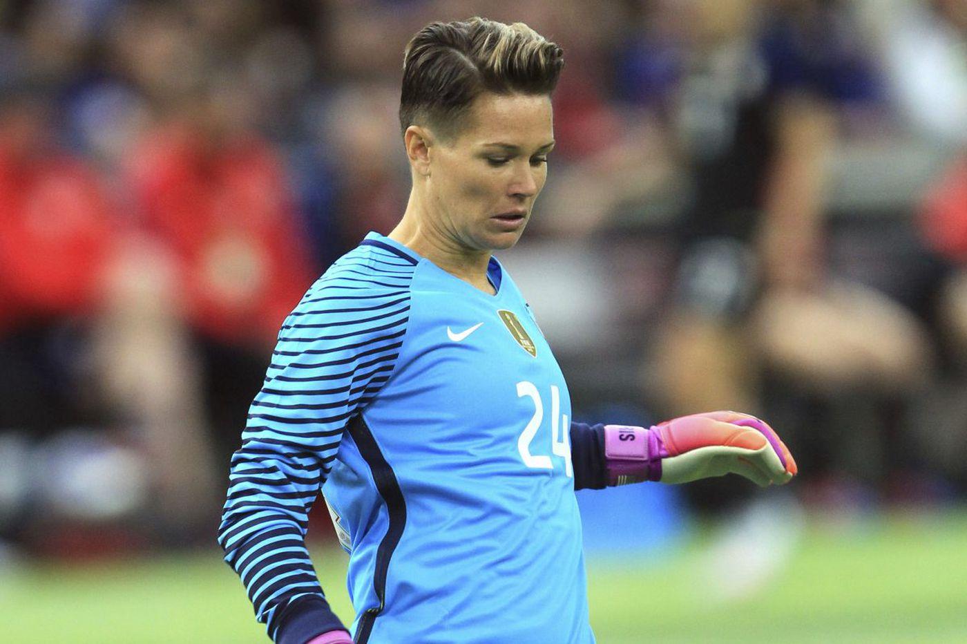 uskomattomia hintoja valtava myynti säästää jopa 80% U.S. women's soccer team goalkeeper Ashlyn Harris out eight ...